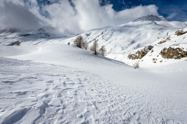 Snow dune landscape at the Simplon pass with Spitzhorli in the background. Simplon Winter - Copyright Johan Peijnenburg - NiO Photography
